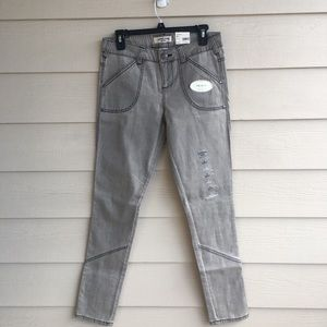 NWT Ladies 4 Light Gray Skinny Jeans Top Stitching